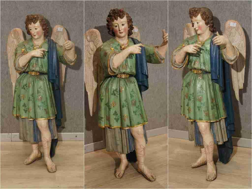 Statua lignea policroma epoca 500  angelo intagliato