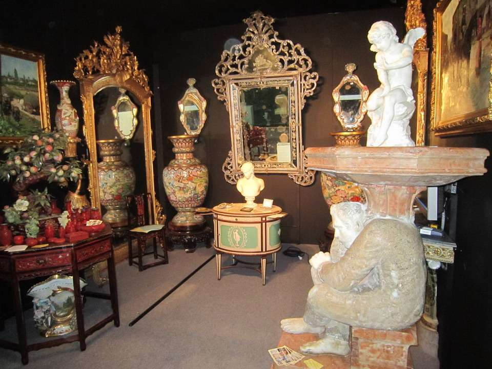 Specchiera Veneziana del 700 in Vetro di Murano