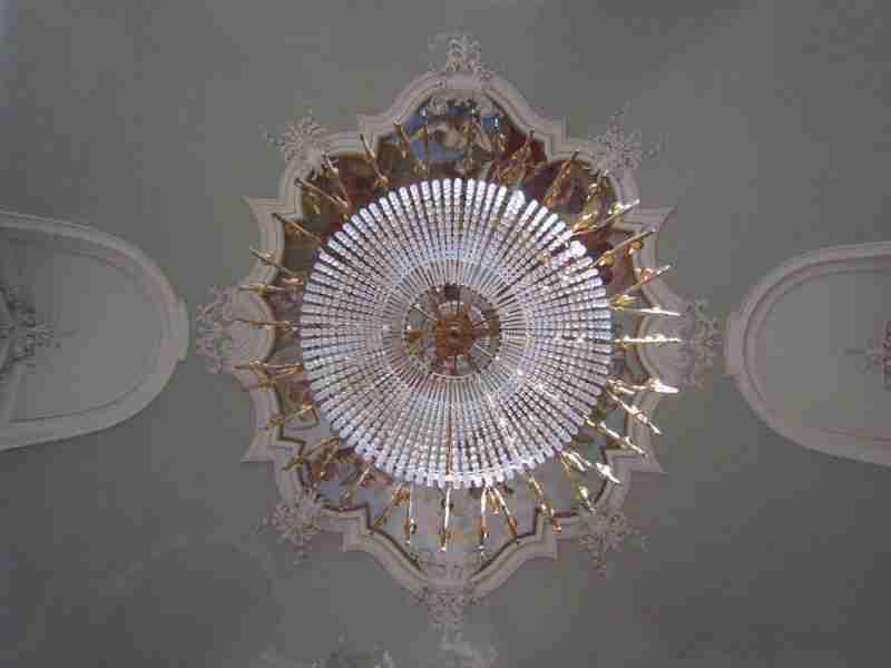 lampadario in legno dorato e cristallo epoca 700 Luigi XVI