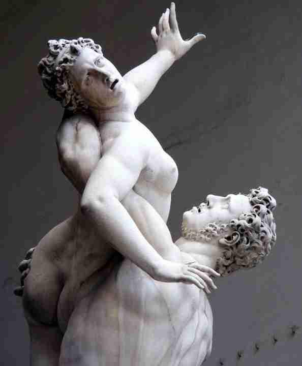 Dettaglio ratto Sabine Giambologna scultura marmo