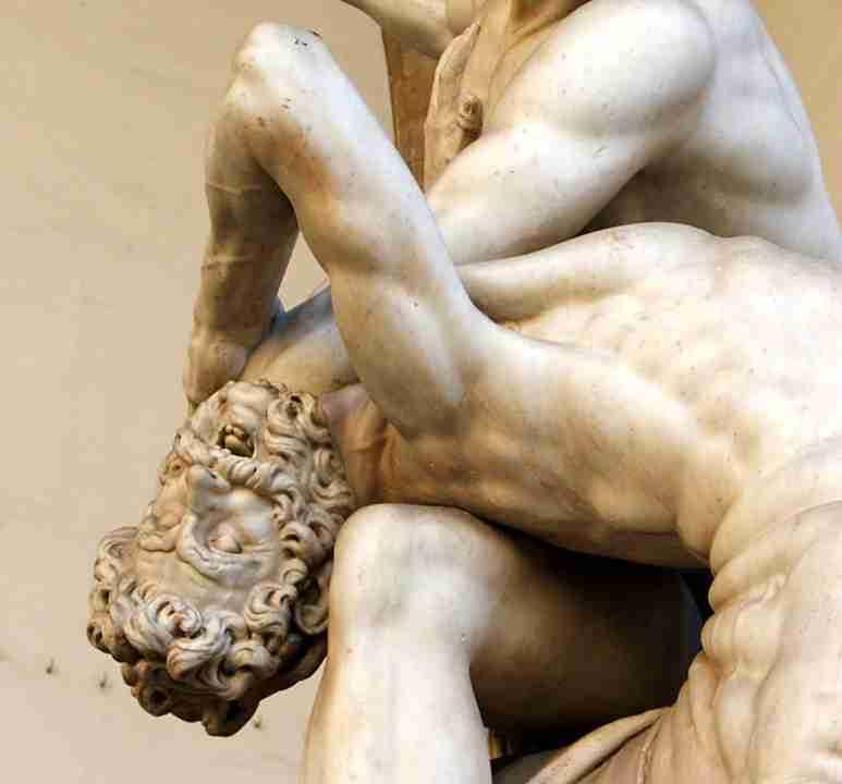 Dettaglio scultura Ercol in lotta Giambologna