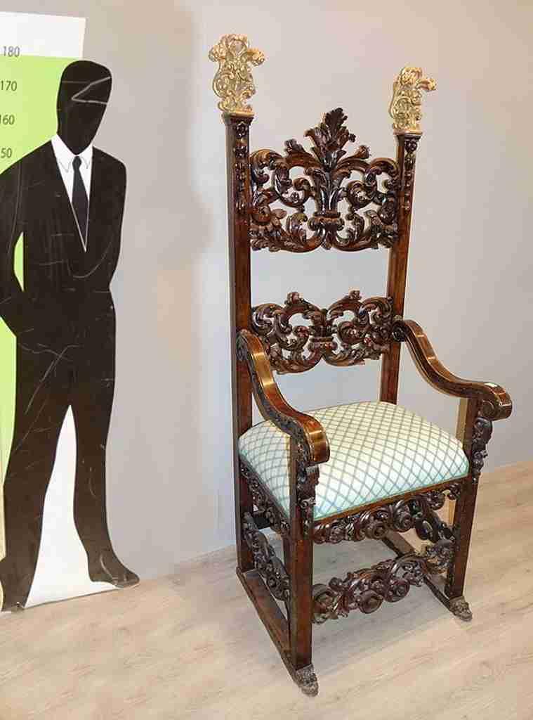 trono 11