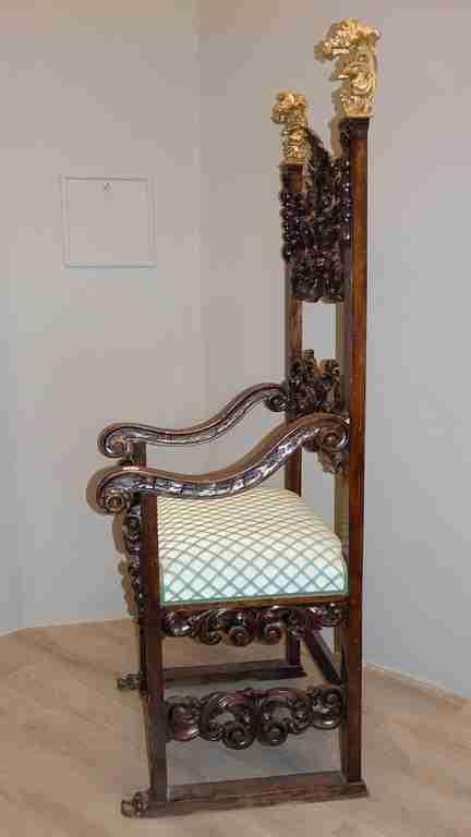 trono 19
