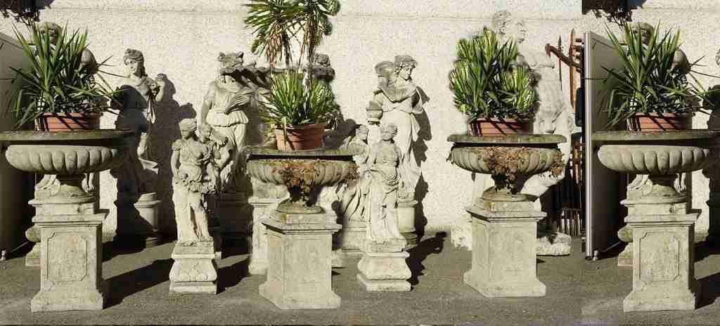 Quattro vasi da giardino in pietra di vicenza epoca 1800 for Arredo giardino vicenza