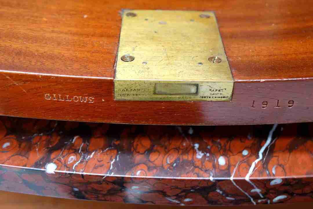 credenza-intarsiata-bronzi-ebanista-gillows-52