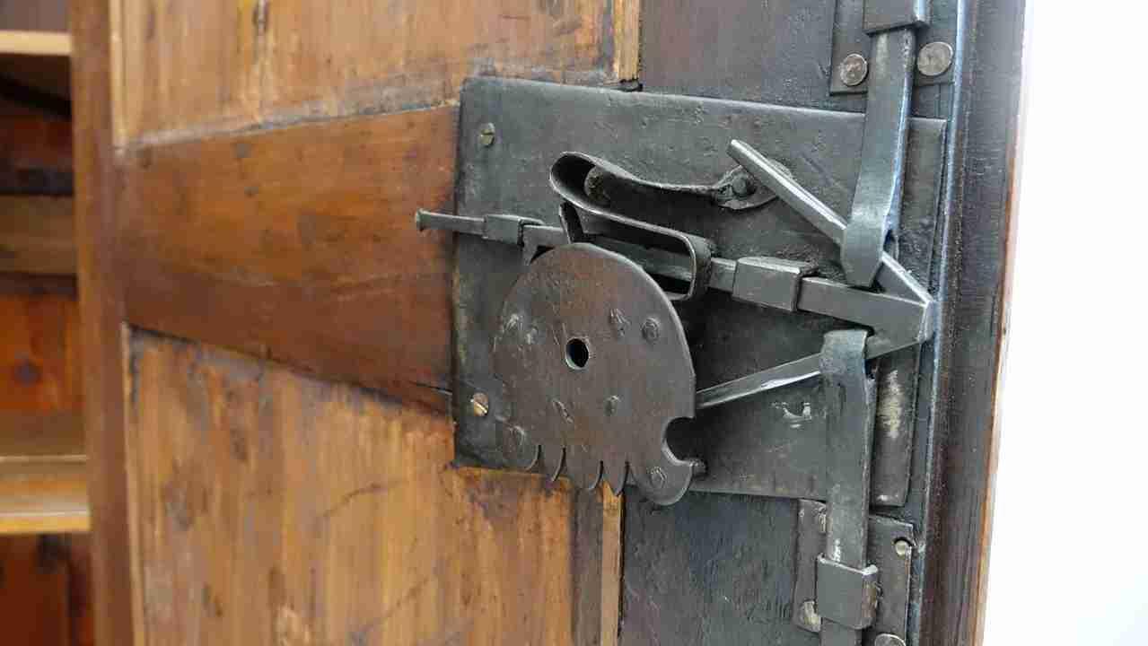 armadio-antico-38