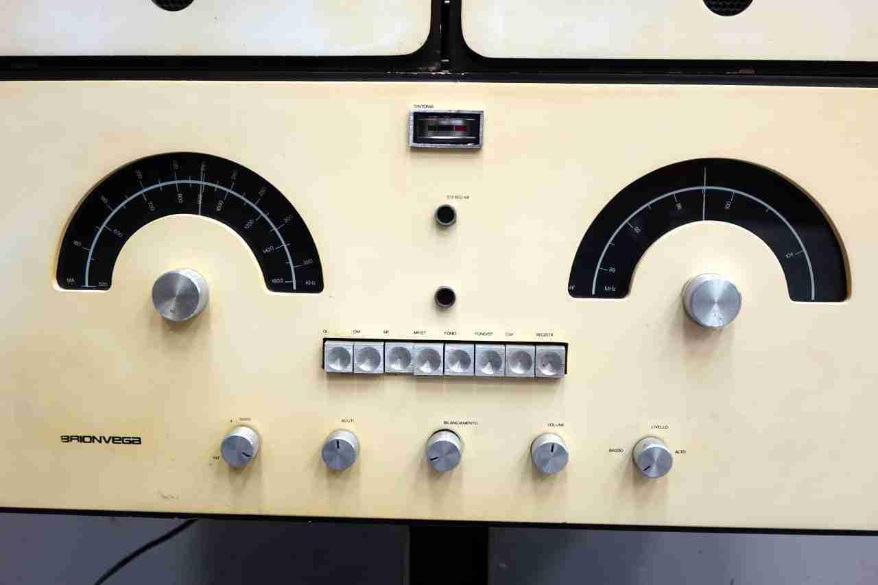 radio_brionvega_29