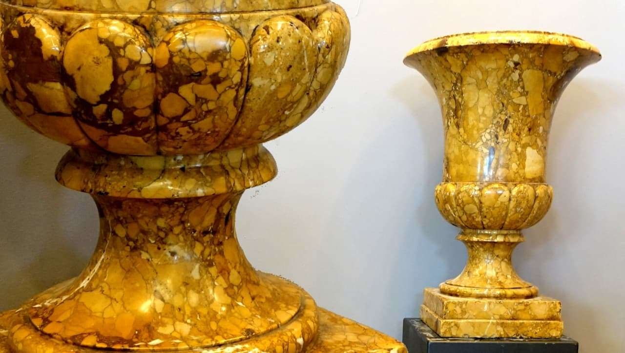 Coppia vasi a cratere antichi in rarissimo giallo antico for Vasi antichi