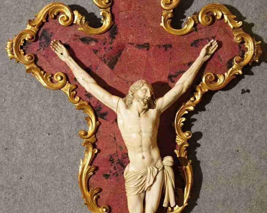 Crocifisso quarzo rosa cristo avorio