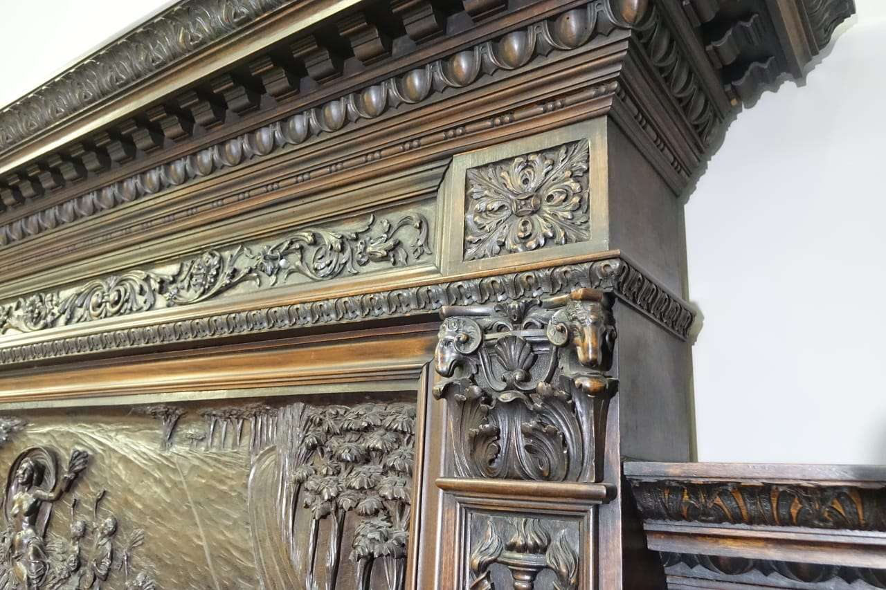 Sala Da Pranzo Scolpita Firmata G. Scalambrin 0179001 Gognabros.it #8F683C 1280 853 Sala Da Pranzo Antiquariato