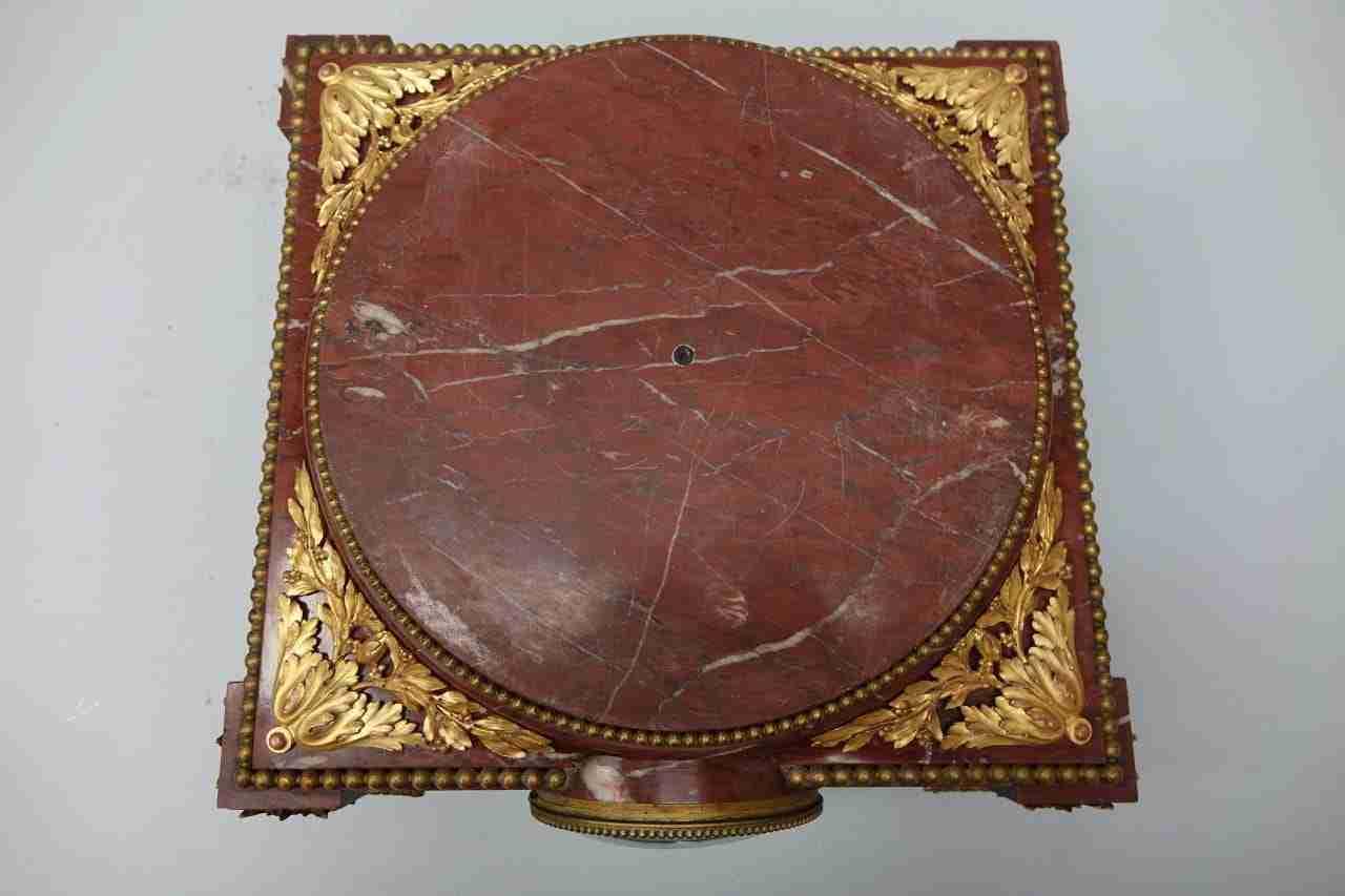base-marmo-rouge-bronzo-orologio-20
