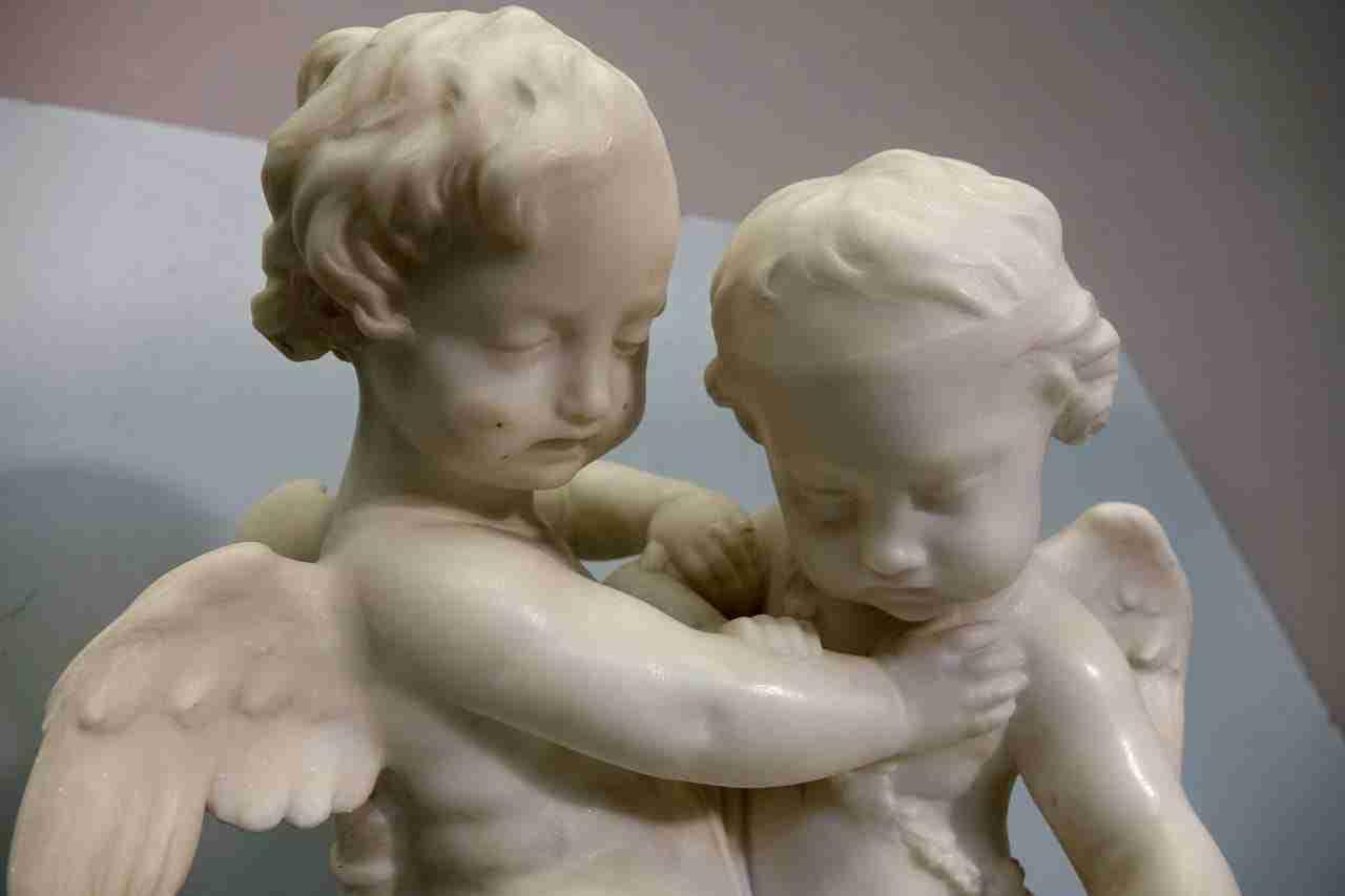 scultura-marmo-angeli-pigalle-16