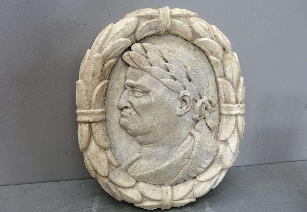 Scultura bassorilievo Imperatore Romano