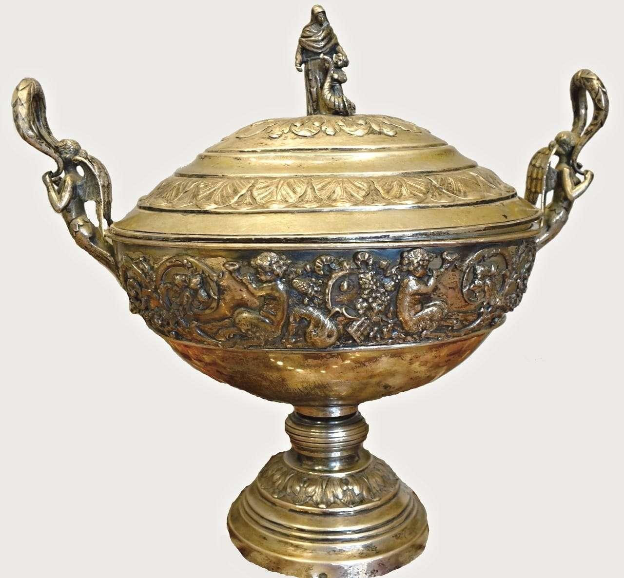 Coppa in argento cesellato punzonato Hanau Germania 0550068