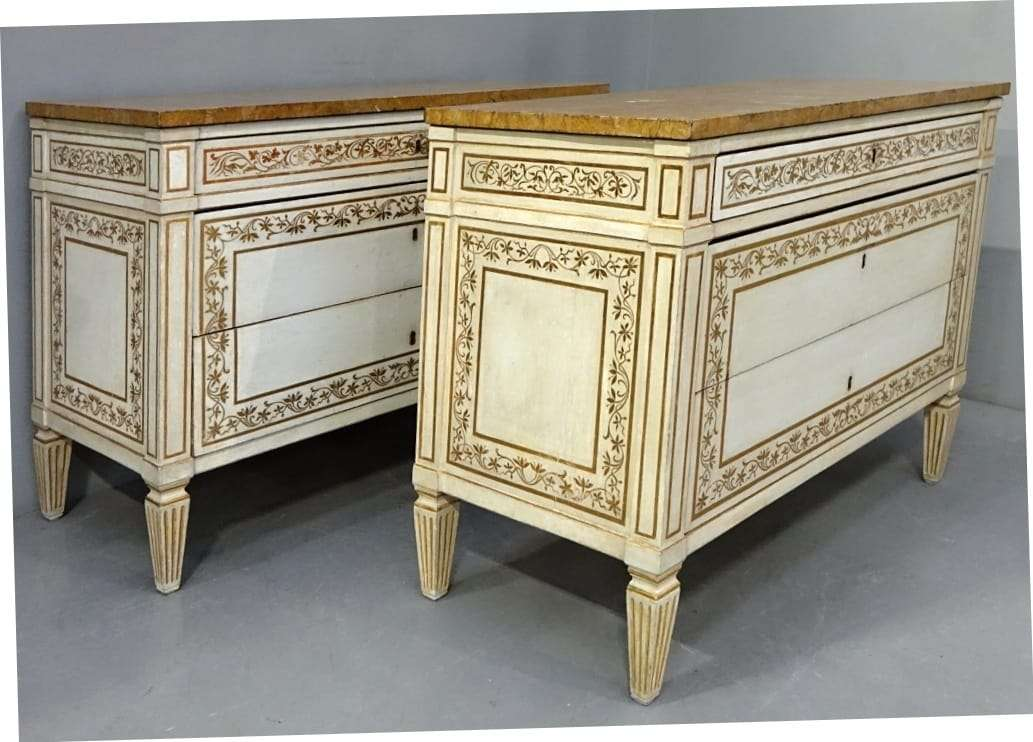Coppia di como' Luigi XVI lacca e doratura originale fine '700 0570013