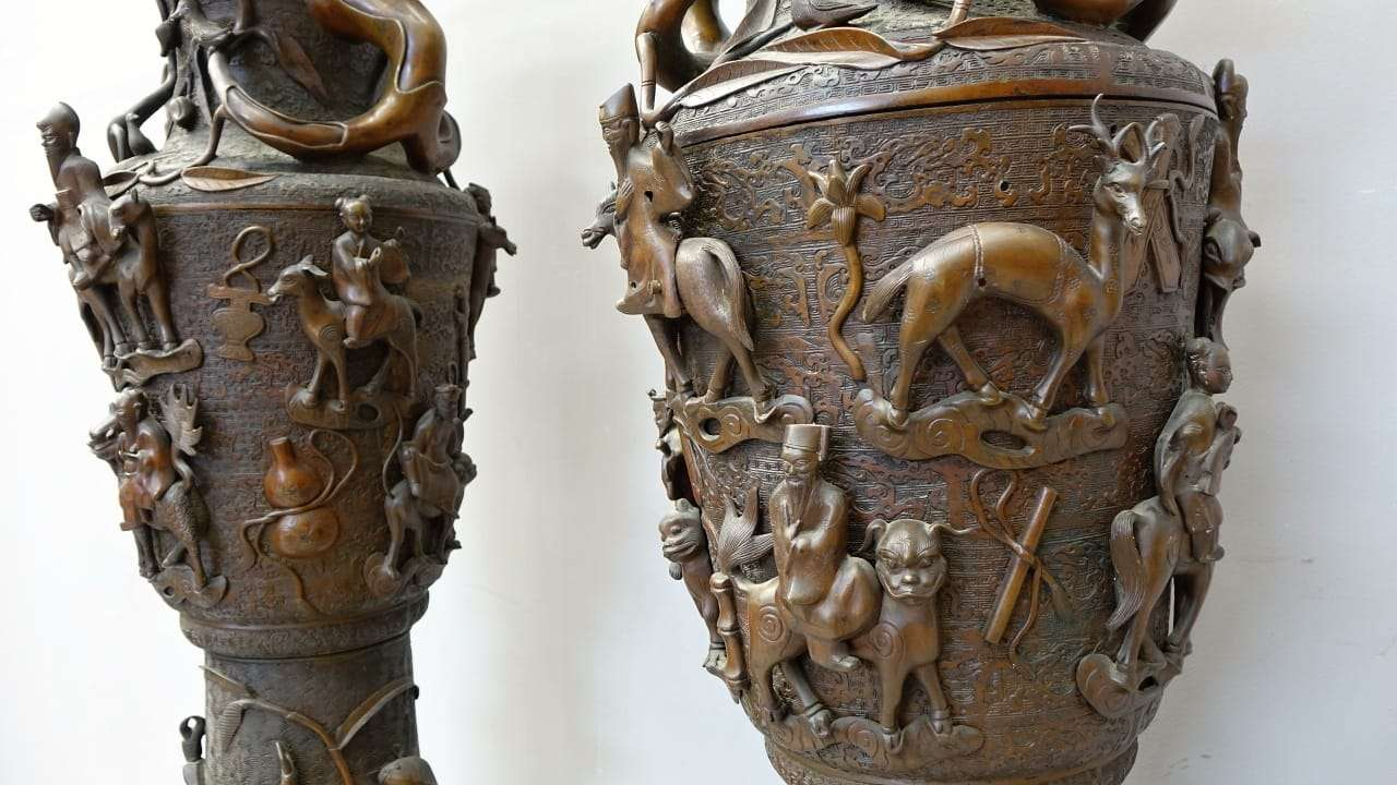Coppia di vasi orientali in bronzo vaso cinese otto immortali 0917043