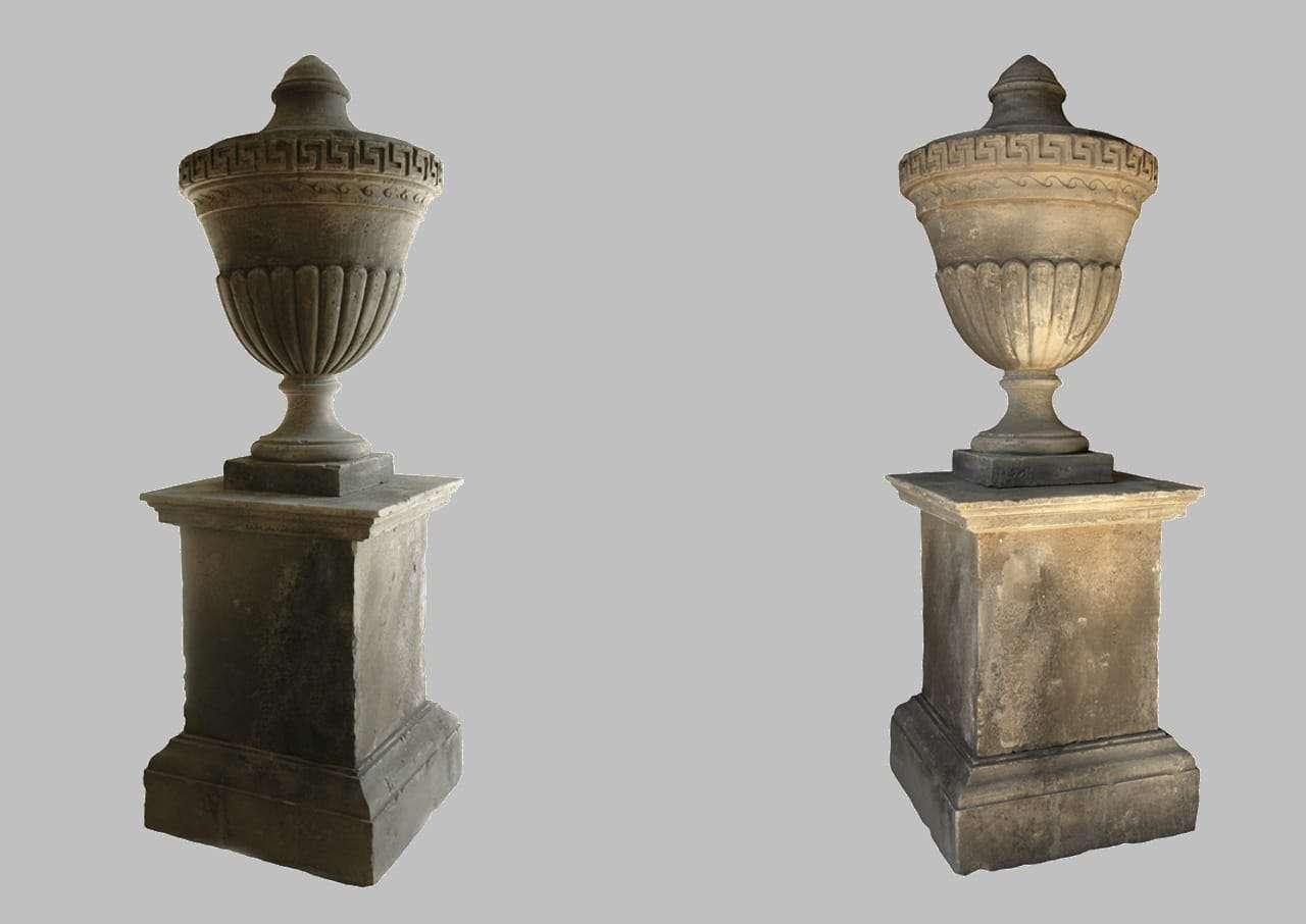 Coppia di vasi urna in pietra di lecce