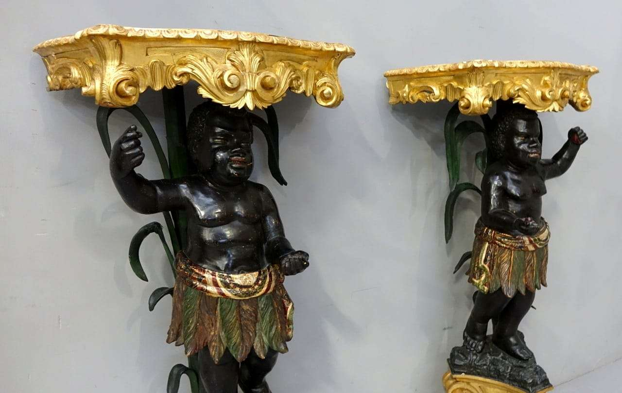 Coppia di moretti veneziani policromi e dorati Luigi XIV 700