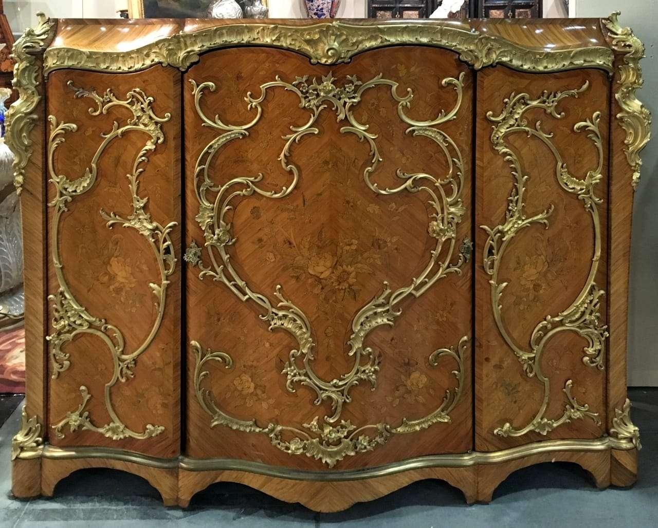 Credenza napoleone III intarsiata applicazioni in bronzo dorato