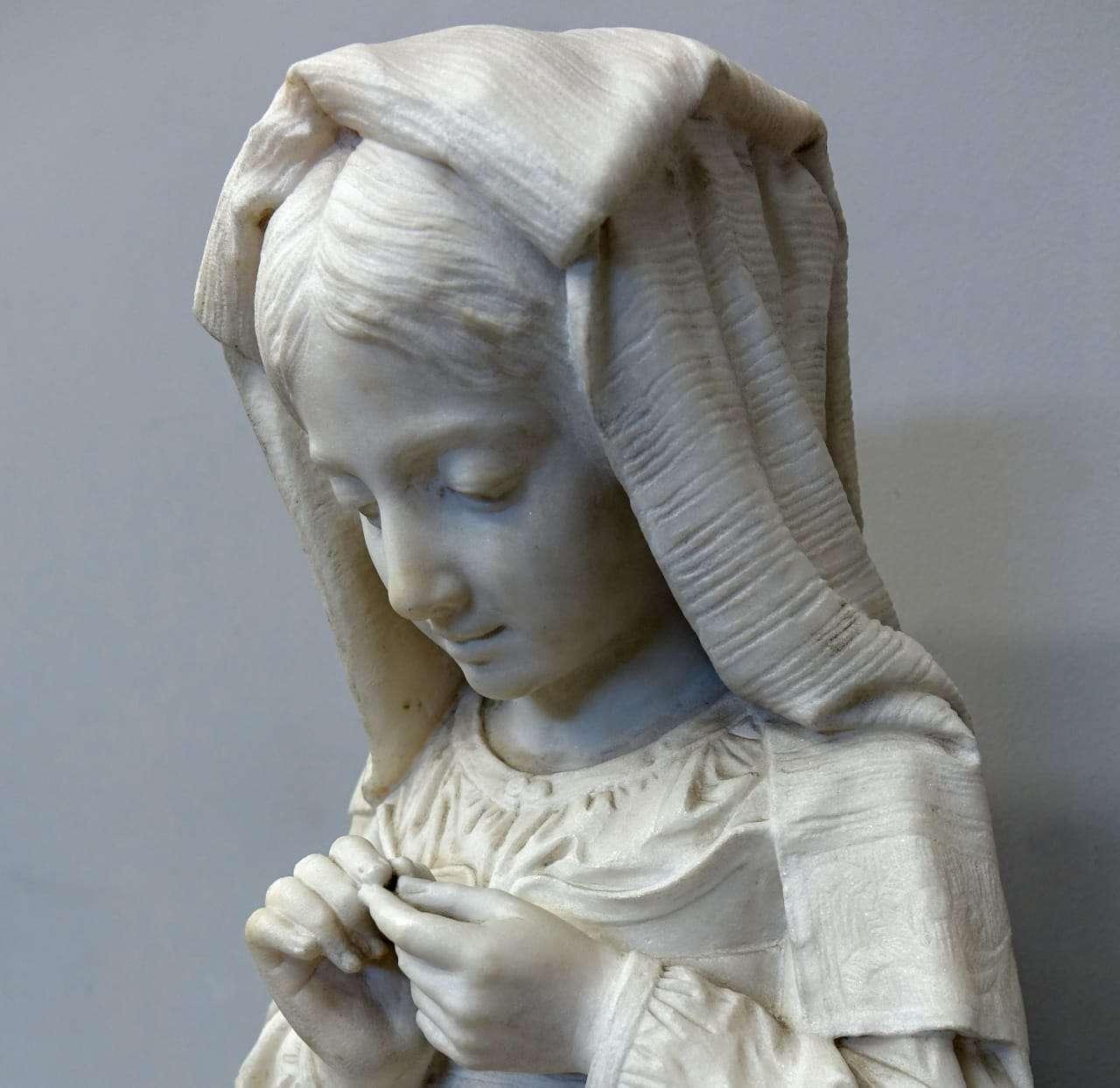 """Scultura in marmo """"Fanciulla che cuce"""" 0318004"""