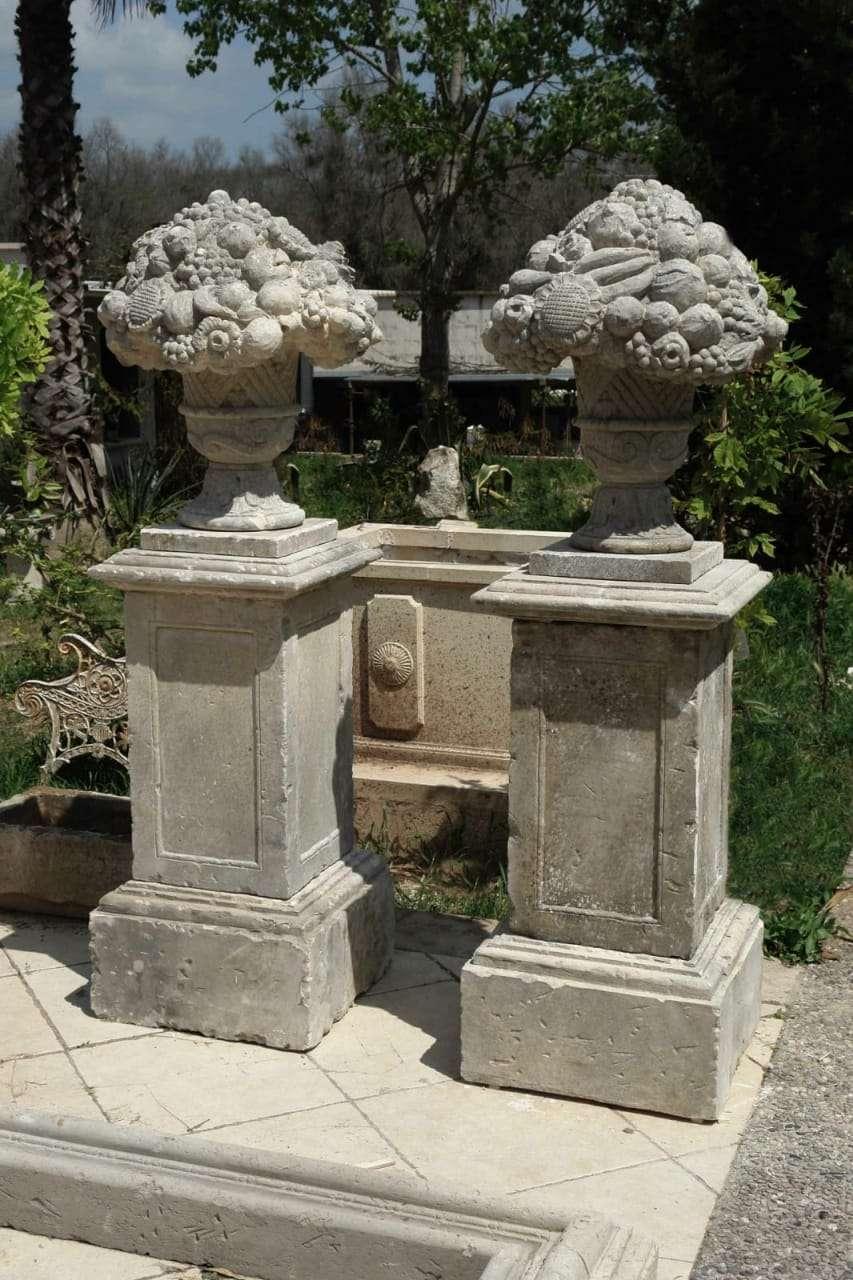 Coppia di vasi in Pietra di Lecce – Gognabros.it