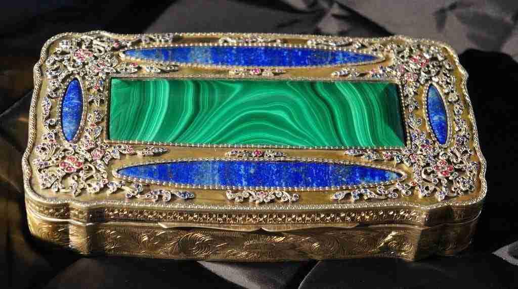 Scatola portagioie in argento faberge