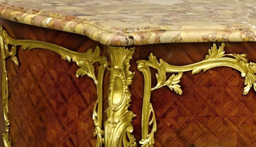 Commode Maison Jansen: gilt-bronze Amaranth Marquetry  0860028