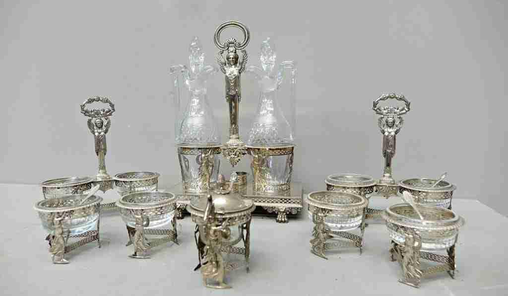 Servizio da tavola argento e cristallo