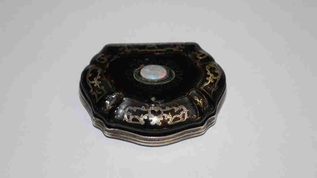 Scatola in argento e tartaruga Luigi XIV