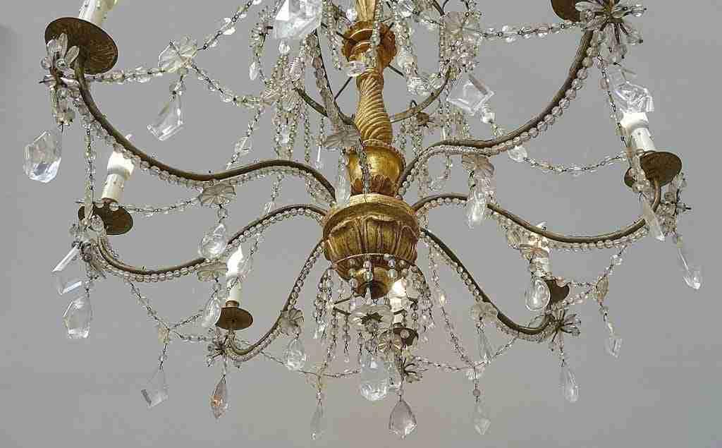 Uno di tre grandi lampadari gemelli cristallo di rocca epoca 700 Luigi XVI 1018007