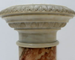 Colonna in marmi policromi marmo