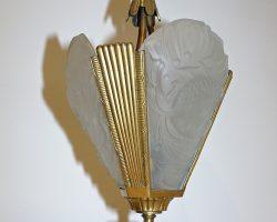 Lampadario in bronzo dorato e vetro Lalique