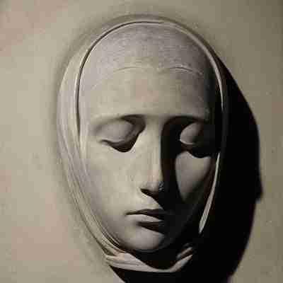 Adolfo Wildt - La Vergine - Scultura in gesso firmata