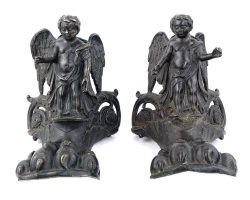 Pair of angels on feline foot in cast bronze XNUMXth / XNUMXth century. Fragments of an Ark Reliquary