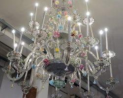 Grande lampadario antico in vetro di murano